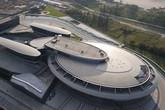"""Đại gia xây """"tàu vũ trụ"""" lớn gấp 3 sân bóng gây choáng"""