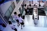 Người mẹ trẻ chết thương tâm vì đỡ con tránh bị thang máy cuốn