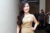 Những trang phục lộ bụng ngấn mỡ của người đẹp Việt