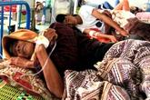 Hàng trăm dân ở 7 ngôi làng ngộ độc thực phẩm sau tiệc cưới