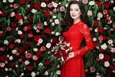 Ngọc Thúy đẹp lộng lẫy, kiêu sa trong váy cưới