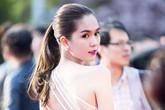 Ngọc Trinh lưng trần sexy trên thảm đỏ Hàn Quốc
