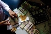 Làm sao để biết đang mắc nợ ngân hàng