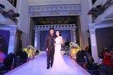 Quang Lê hát đám cưới với cát-xê nửa tỷ đồng