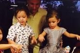 Cặp song sinh nhà Hồng Nhung ngộ nghĩnh trong ngày tròn 3 tuổi