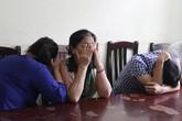 Tạm giữ nhóm chèo kéo bán vé trận Việt Nam - Man City