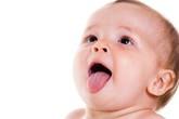 Nguyên nhân và cách phòng tránh tưa miệng cho bé