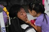 Hàng trăm khách vật vạ ở sân bay Đà Nẵng vì bão số 3