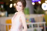 Angela Phương Trinh đẹp nề nã với váy hồng pastel