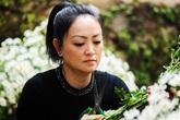 Mẹ chồng Kiều Anh tự tay bài trí lễ Hằng thuận cho con
