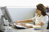 3 thói quen hủy hoại vòng eo của bạn nhanh đến chóng mặt