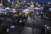 Chợ đêm sôi động của người Việt tại Mỹ