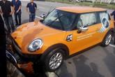 Lái thử xe, khách hàng đâm nát đầu Mini Cooper tiền tỷ