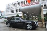 Đại gia tặng siêu xe Rolls-royce 39 tỷ ủng hộ đồng bào vùng lũ