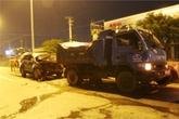 Tai nạn kinh hoàng khi dừng thay lốp trên quốc lộ