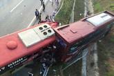 Tai nạn kinh hoàng trên cao tốc, hàng chục người thương vong