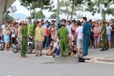 Ảnh, clip tai nạn kinh hoàng khiến 2 phụ nữ bay khỏi cầu Thuận Phước