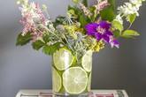 Cắm hoa bằng chanh lát đơn giản mà độc đáo