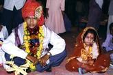 Tâm thư xót lòng của bé gái phải lấy chồng ở tuổi 13
