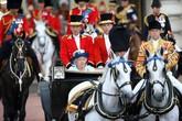 Những sự thật ít biết về quyền lực của Nữ hoàng Anh
