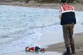 Bé trai 3 tuổi chết thảm trên bờ biển gây chấn động