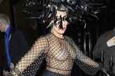 Lady Gaga không thể hở hang hơn nữa khi đi tiệc