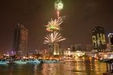 Người dân cả nước háo hức đón năm mới 2015