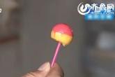 Xót xa bé 6 tuổi mất mạng sau khi ăn kẹo mút nhặt được bên lề đường
