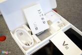 Mở hộp LG V10 camera kép, hai màn hình vừa ra mắt ở VN