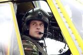 Hoàng tử Anh làm phi công trực thăng cứu thương