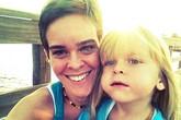 Nghiện mạng xã hội, mẹ nhẫn tâm đầu độc con để viết blog