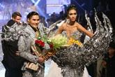 """Quán quân Next Top Model: Tiêu chuẩn quốc tế là """"mù"""" tiếng Anh và nói ngọng?"""