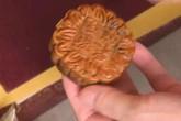 Kinh hãi bánh Trung thu vẫn còn nguyên vẹn sau 10 năm sản xuất