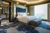 Choáng ngợp với vẻ lộng lẫy của khách sạn 6 sao nhà vợ Thanh Bùi