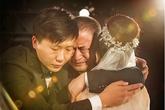 Ngày của bố, xúc động với chùm ảnh nước mắt người cha khi con gái đi lấy chồng