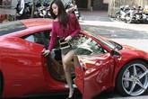 Midu được chồng sắp cưới lái siêu xe 15 tỷ chở đi mua sắm