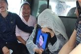 Tai nạn thảm khốc giữa Hà Nội: Hai anh em gục khóc bên quan tài bố mẹ