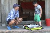 Con trai Xuân Bắc nhận chăm sóc 1 chú lợn làm thú cưng