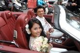 Chồng Kiều Anh đi xe 12 tỷ đón vợ