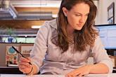 8 lý do công việc khiến bạn tăng cân mà không biết