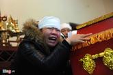 Lễ tang đẫm nước mắt của cô dâu trong đám cưới cổ tích