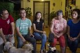 Tâm trạng hỗn loạn của người thân nạn nhân MH370 khi biết tin