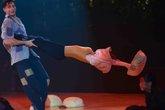 Angela Phương Trinh bay cả áo vì nhập vai chị Dậu