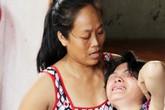Mẹ của nghi can chủ mưu vụ thảm sát ở Bình Phước liên tục ngất xỉu