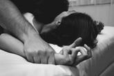 Phát điên vì lên giường là chồng cào cấu như thú dữ