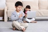6 việc bố mẹ cần làm để trẻ chơi điện thoại, ipad an toàn