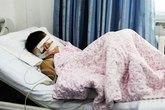 Kinh hoàng: Bé trai bị hàng xóm móc mắt vì tranh chấp đất đai