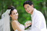 """Vợ Bình Minh dùng """"chiêu"""" gì để giữ chồng?"""