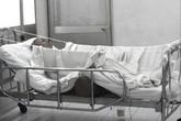 Bà bỏng nặng vì bị cháu tẩm xăng đốt