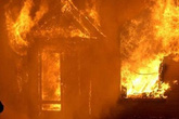 Cha đốt nhà khiến 4 con chết thương tâm